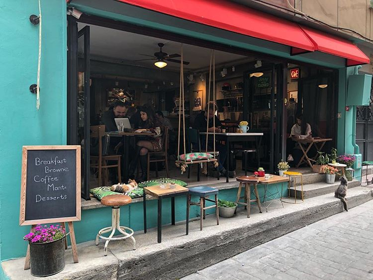 Biberon Cafe & Crafts
