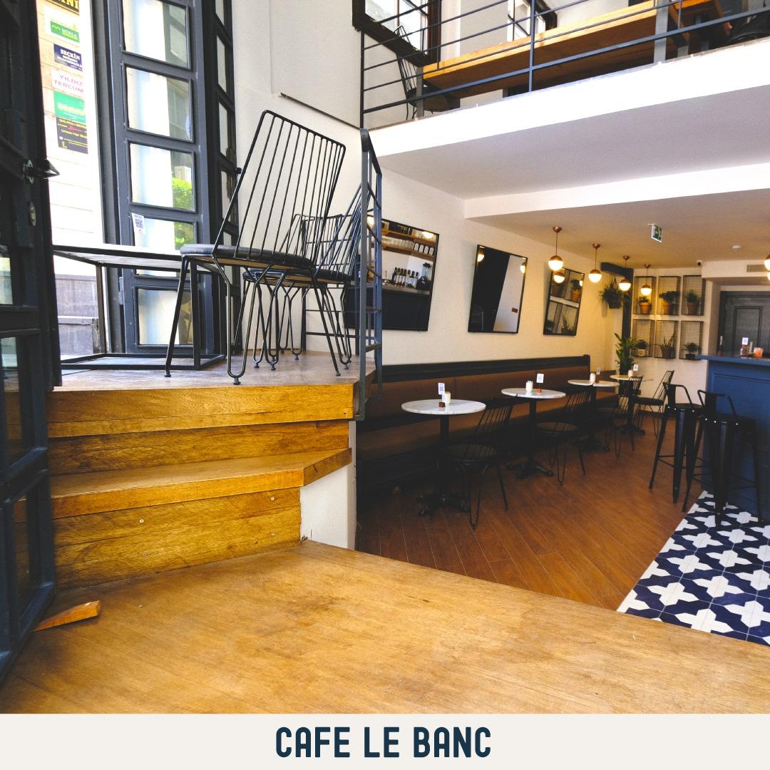 Cafe Le Banc