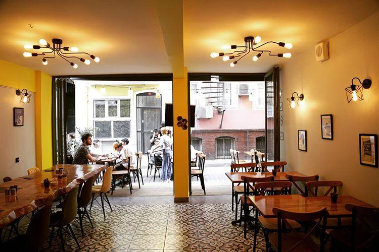 Revna Cafe