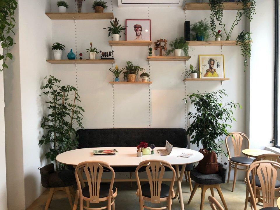 Tiyop Cafe & Bistro