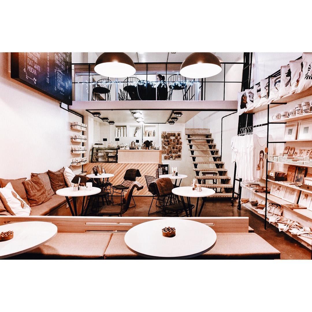 Day Coffee & Design Shop