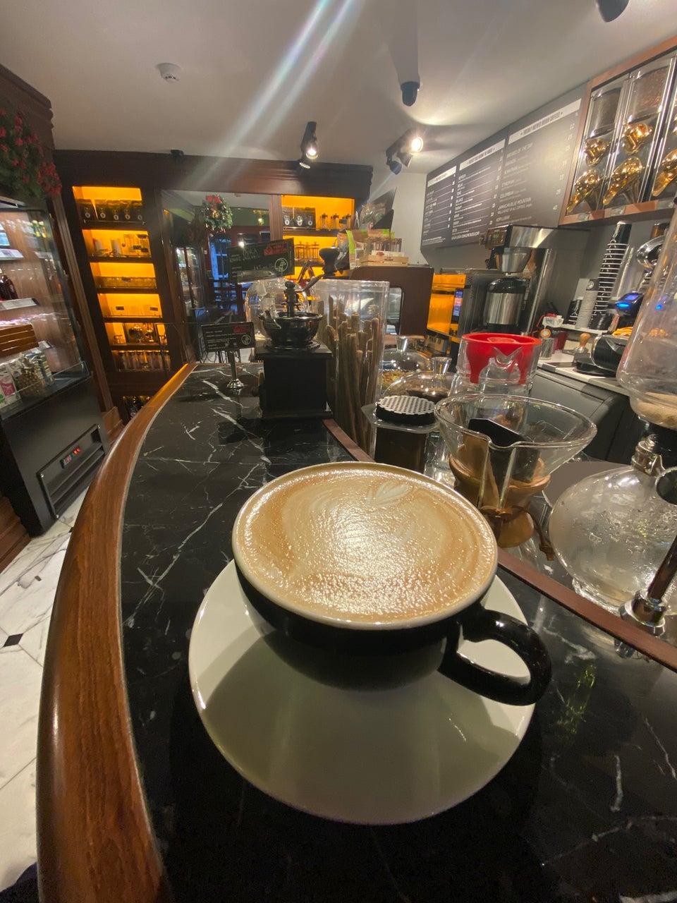 Noir Pit Coffee Moda