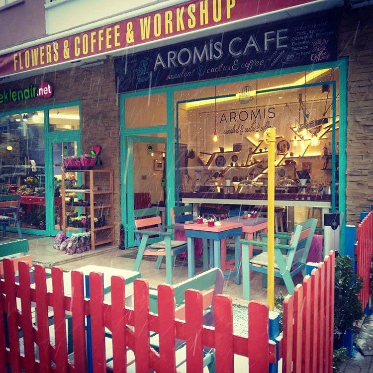 Aromis Flower Cafe