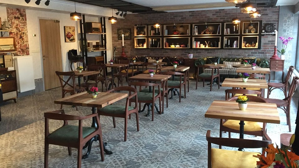 Lavinnia Coffee Shop