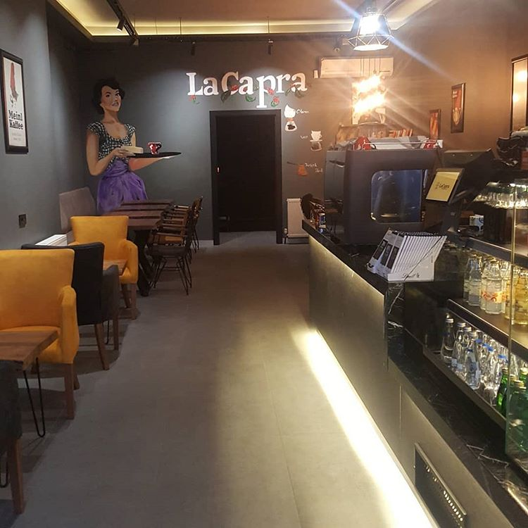 LaCapra Coffee & Shop