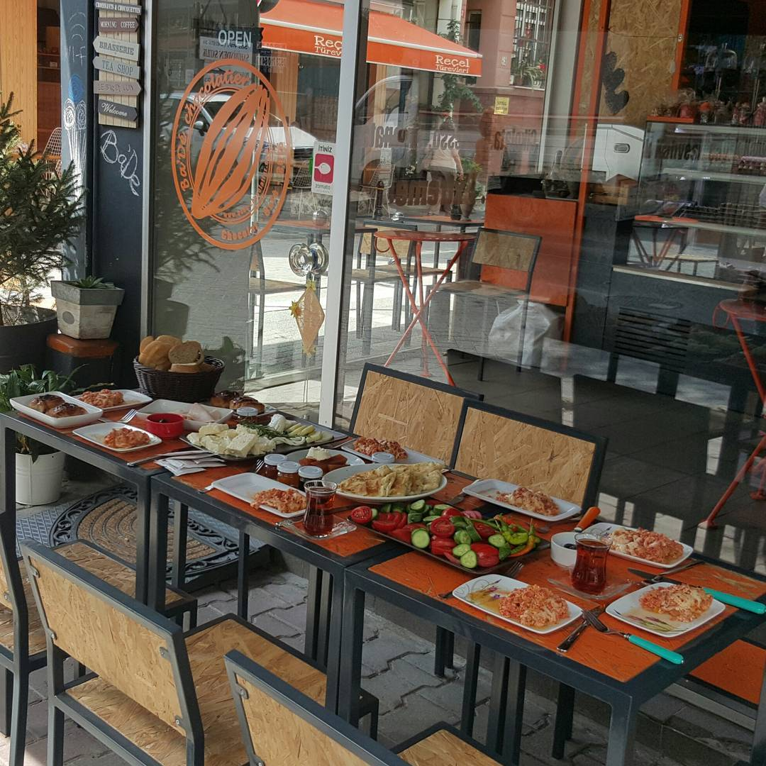 Ba'De Chocolatier Cafe