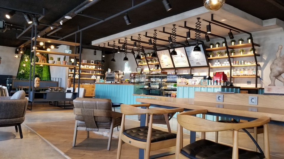 Hound Coffee & Eatery