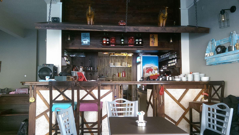 Hunters Cafe & Hookah